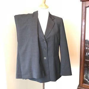 Kasper 2-piece blazer and trouser business suit